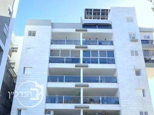 For Sale Apartment 4 rooms in hospital in Ashdod
