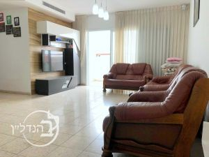 For Sale Apartment, 4.5 rooms like 5 rooms in the' in Ashdod