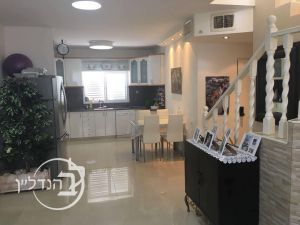 For sale duplex stunning 5 bedroom in the heart of the' Ashdod