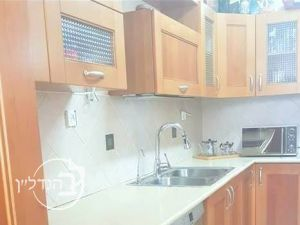 "For Sale Apartment 4 rooms in an""L"". in the sought town of Ashdod"