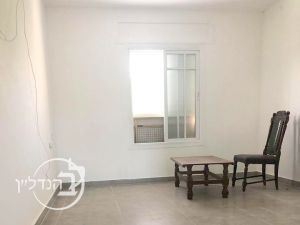 For sale Apartment 2 rooms in G floor