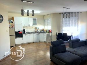 "For sale apartment 4.5 rooms in the heart t""and in Ashdod"