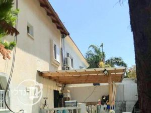 For sale Villa 6 rooms in Gan Yavne