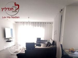 For sale Apartment 5 rooms, huge in eighth Ashdod