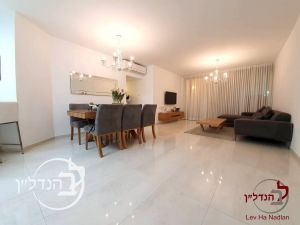 "For sale Apartment 5 rooms with sea view in""K"" Ashdod"