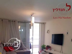 For sale 4 room apartment located in: Ashdod