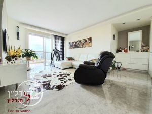 For sale apartment, 4.5 Rooms project the pool in the junior Ashdod