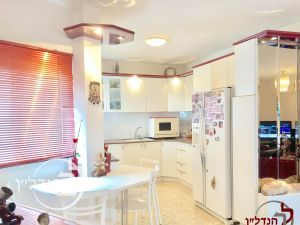 For sale penthouse spacious 5.5 rooms in the' Ashdod