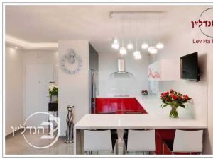 For sale a 4 room apartment beautiful district city of Ashdod