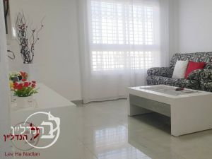 For sale 3-room apartment in District XIII in Ashdod
