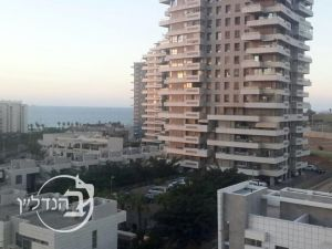 Apartment for sale 5 rooms in Marina with Sea View!