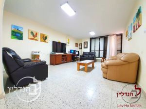 For sale Apartment 5 rooms large especially in the junior Ashdod