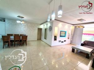 For sale a 4 room apartment in the Ashdod