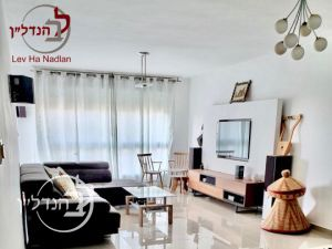 For sale a 4 room apartment in G Ashdod