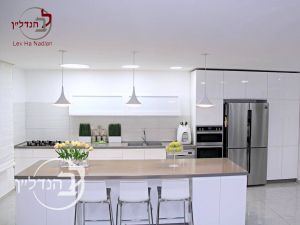 For sale penthouse 5.5 rooms in city of Ashdod