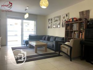 "For sale a 4 room apartment in the""in Ashdod"