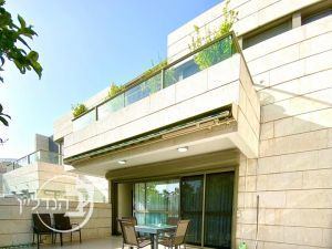 For sale cottage luxurious 5 rooms, mostly upscale Marina in Ashdod