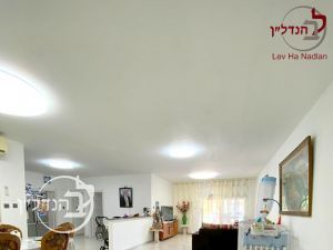 For sale apartment 5.5 rooms in city of Ashdod