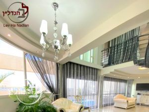 For sale penthouse unique 5.5 rooms in city of Ashdod