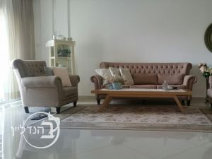 For Sale Apartment 5 rooms beautiful district city.
