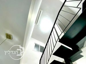 For sale Villa 7 Rooms in Gan Yavne