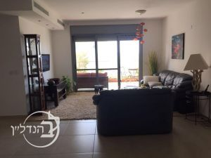 Apartment for sale 4 rooms in Ashkelon