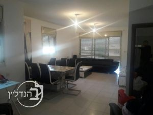 Apartment 4 rooms in the city of Rishon lezion