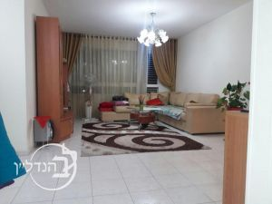 For Sale Apartment 4 rooms in city.