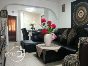 For sale a 4 room apartment in B