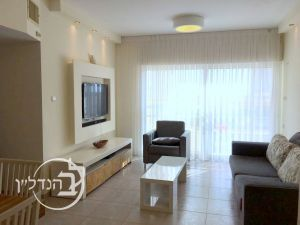 For sale a 4 room apartment in tu
