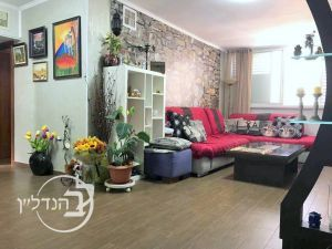 For sale a 4 room apartment in Dalet