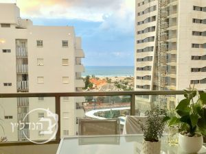 For Sale Apartment 5 rooms with Sea View in Ud Alef Ashdod