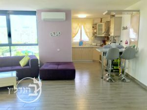For sale a 4 room apartment stunning district city of Ashdod
